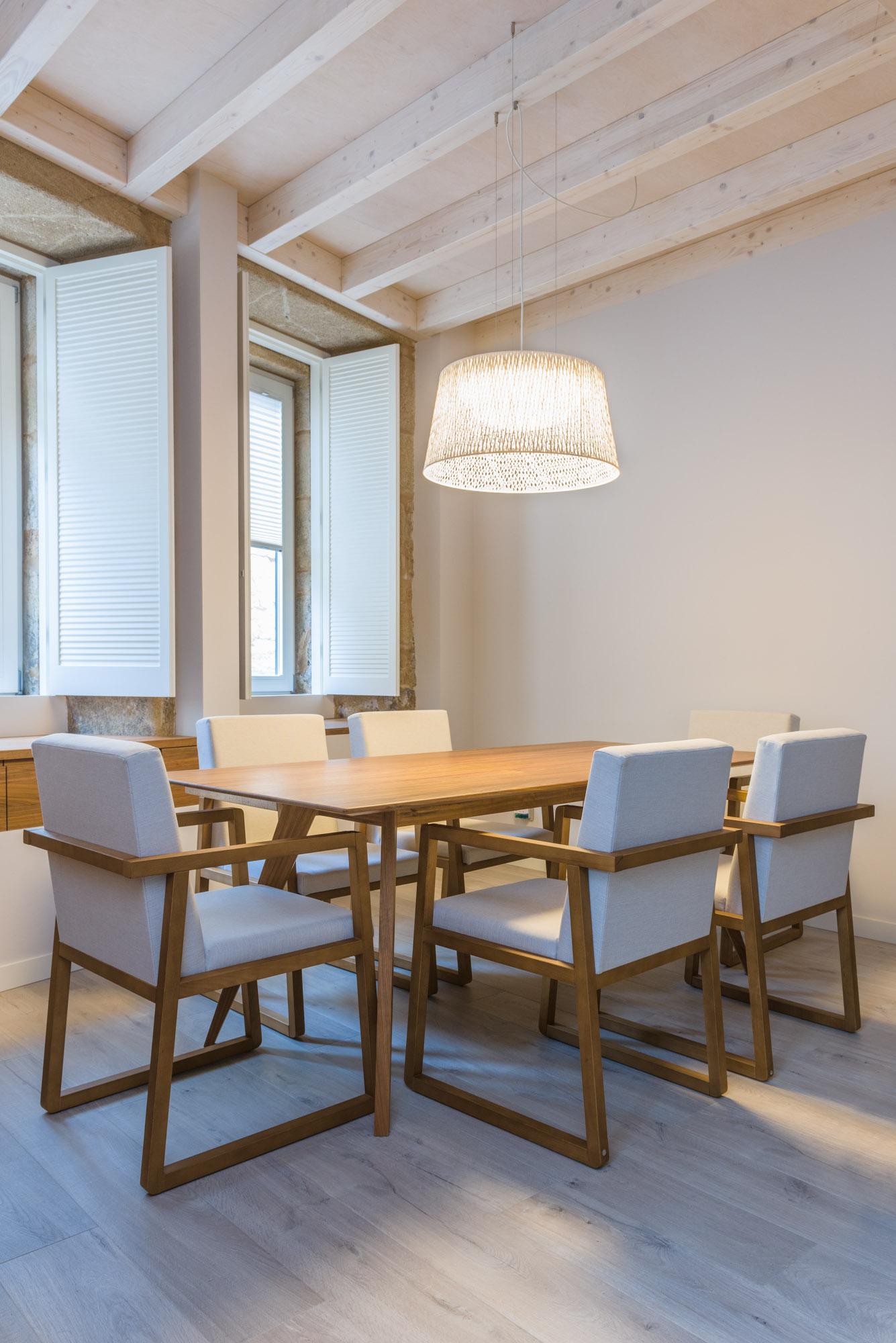 Fotografía de interiores-Mesa de comedor casa unifamiliar-Carpintería Marquez y Vilela