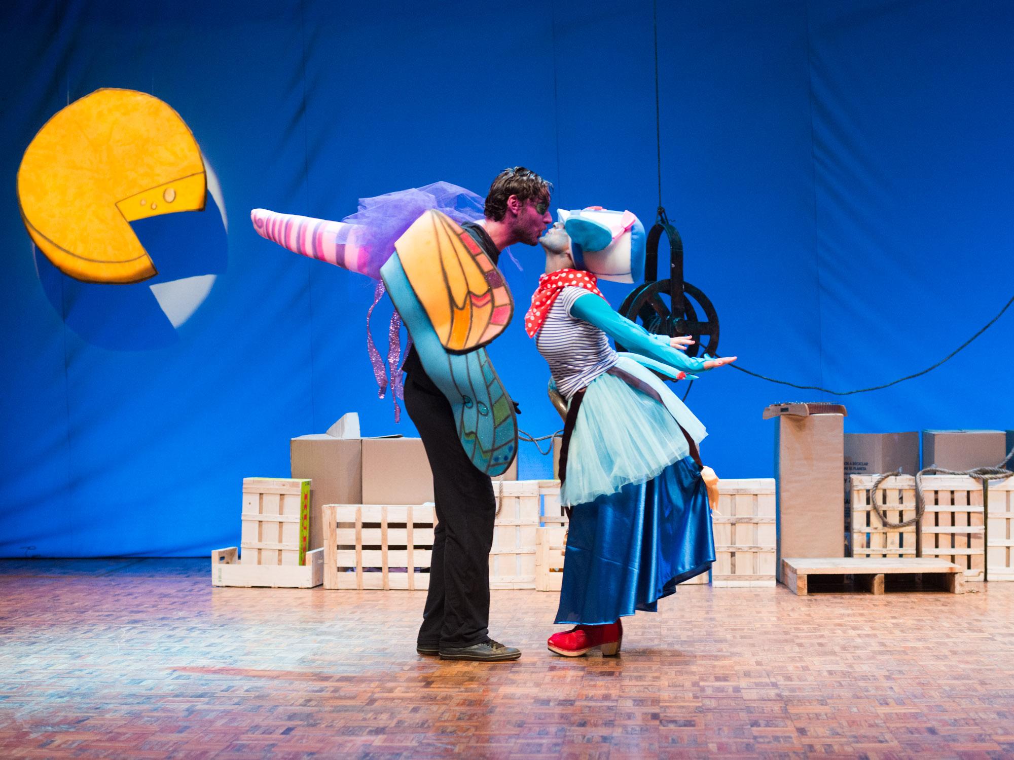 Fotografía espectáculo teatral A ratiña Azul e o queixo levitador-Teatro Principal-Pontevedra